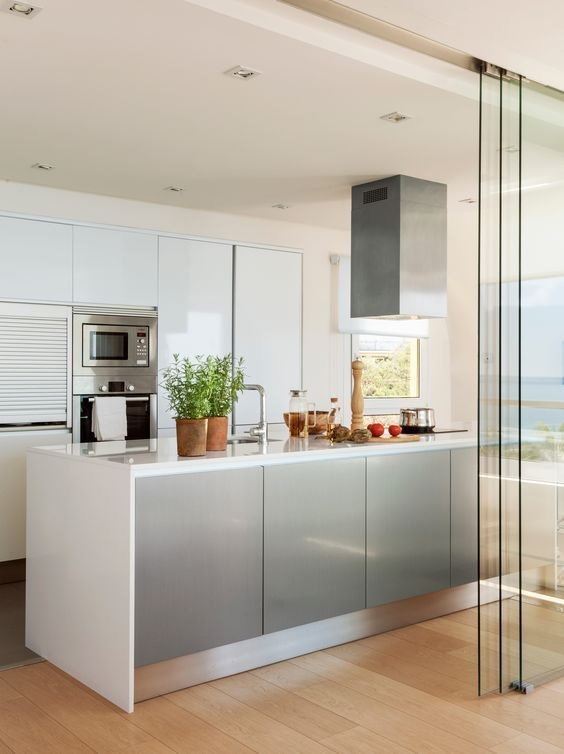 Glass Partition Ideas for Kitchen 05
