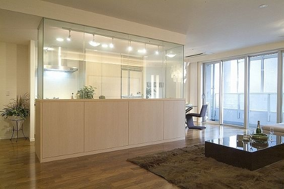 Glass Partition Ideas for Kitchen 20